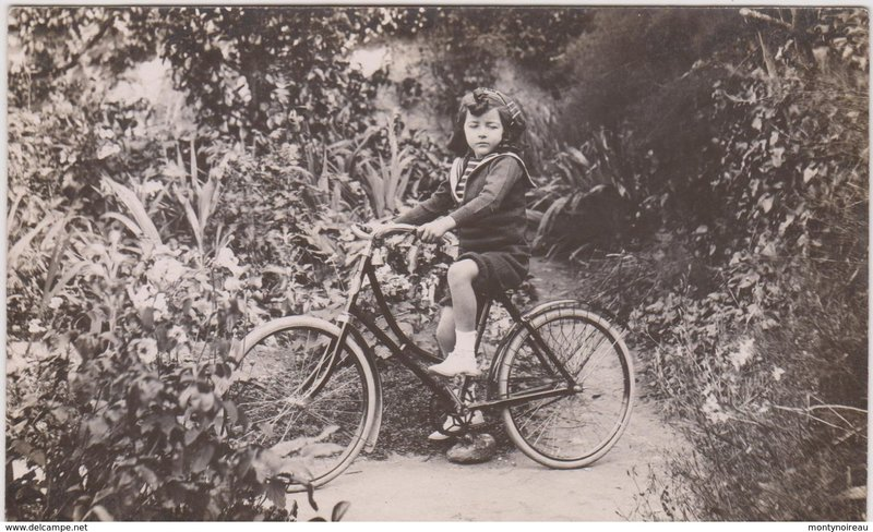 002_001_sport-cyclisme-velo-carte-photo-a-localise-a-riva-bella-ou-colombes.jpg