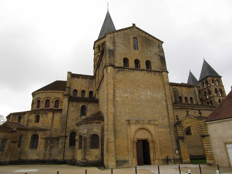 Basilique de Paray le Monial.jpg