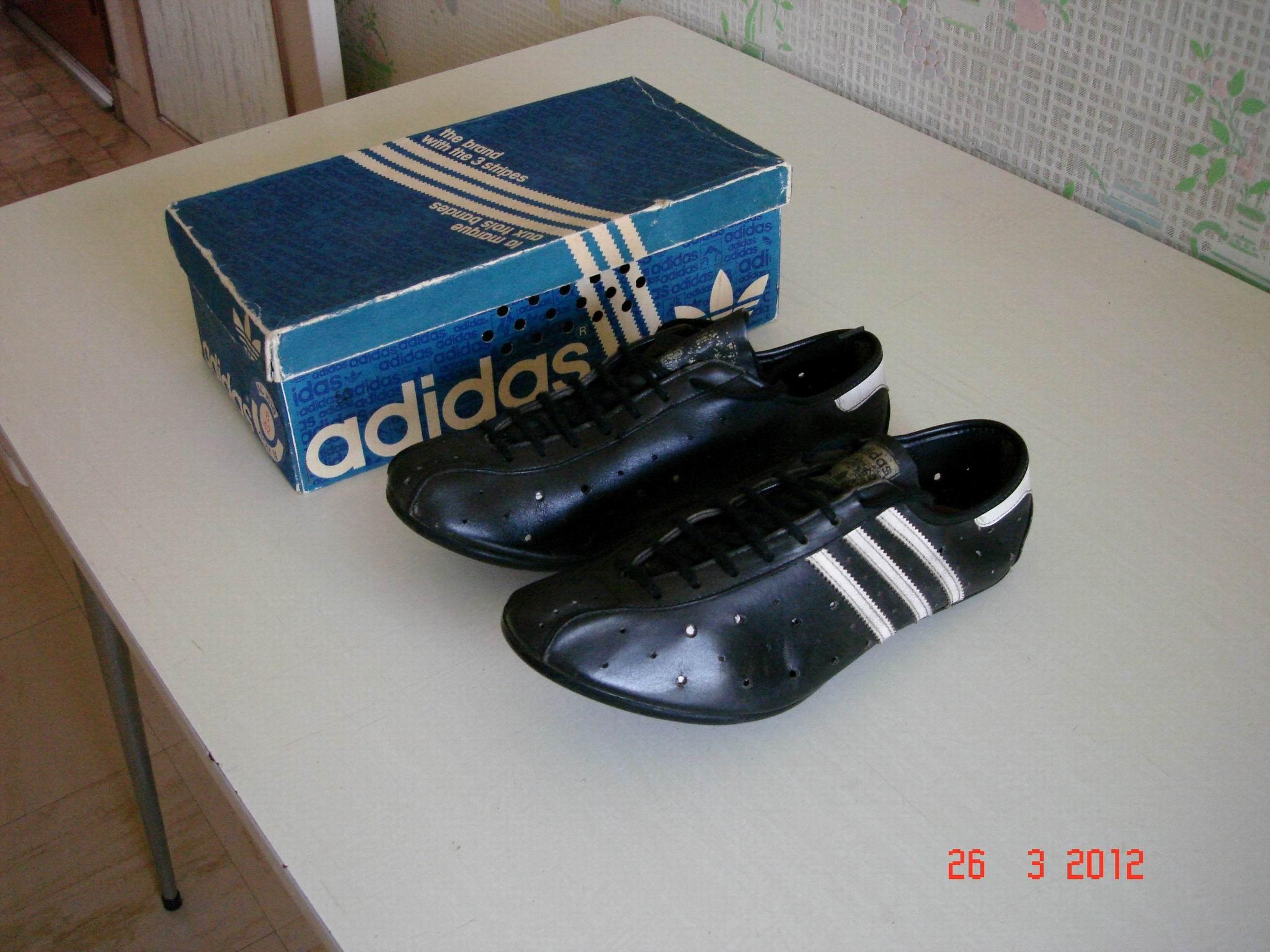 chaussures adidas velo